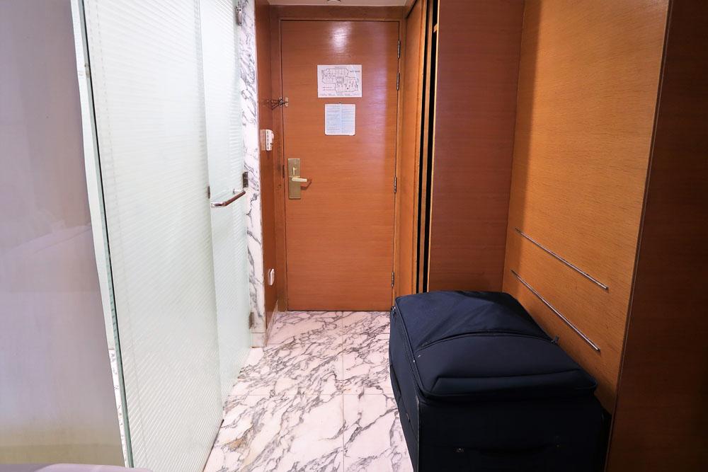 staycation at avari towers hotel karachi